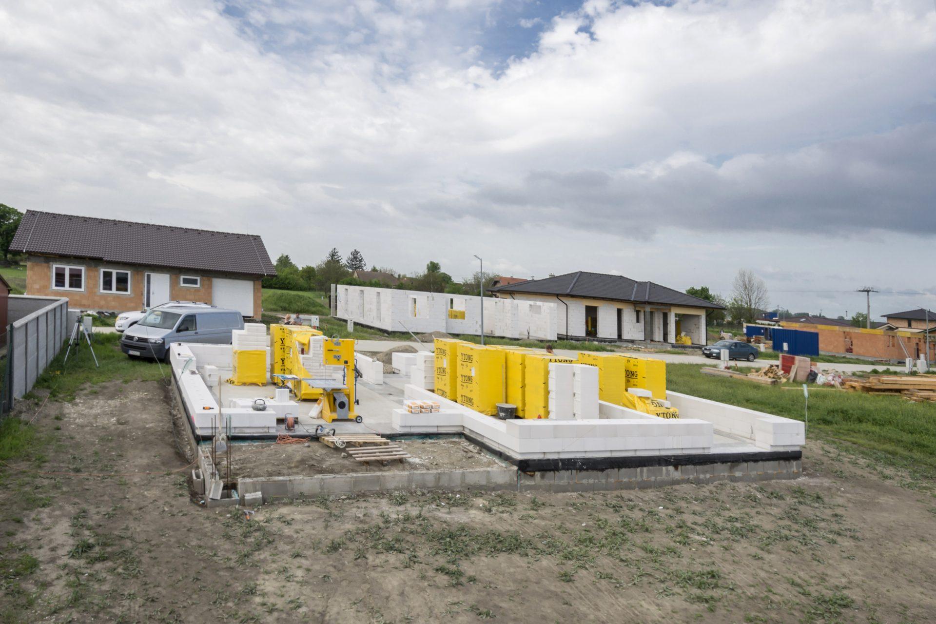 zaklady-dom-ytong-komin-stavba-novostavba