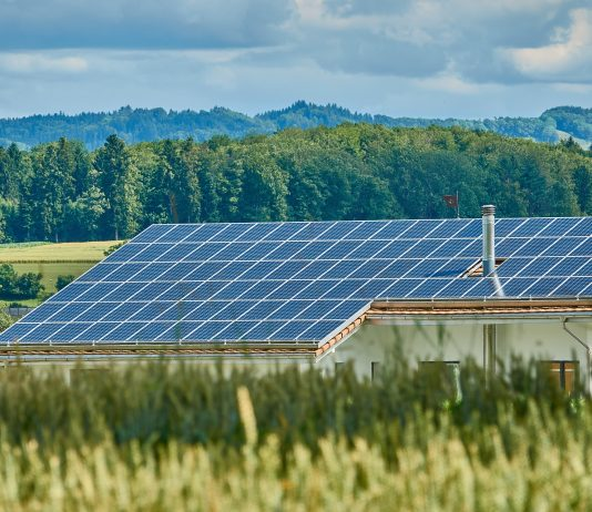 dom-strecha-solarny-system-panel-stavba-pasivny-dom-nulovy