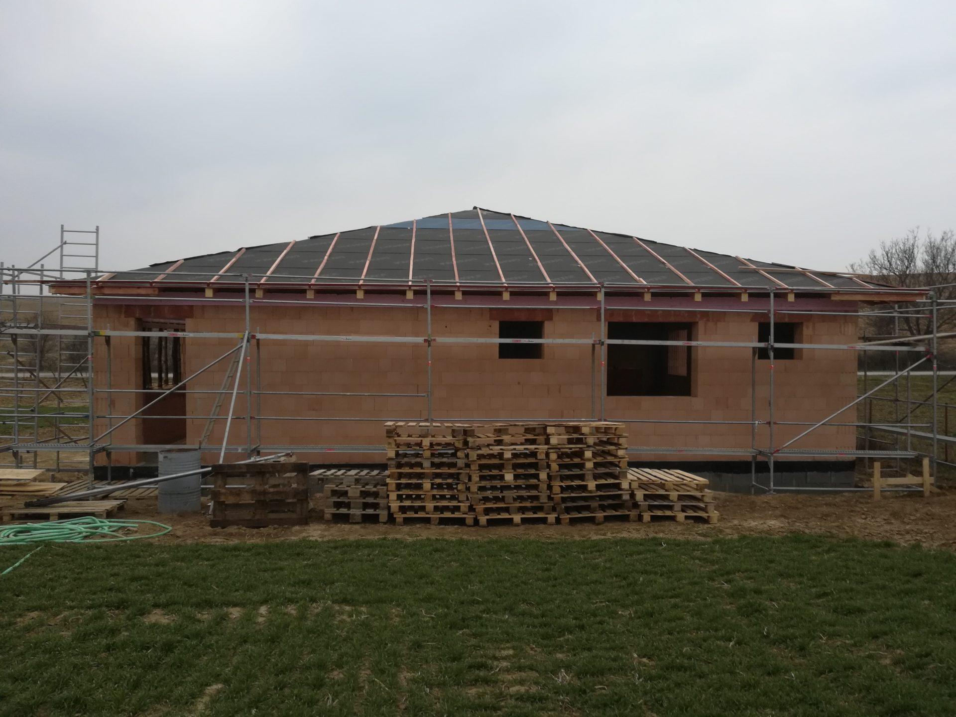 tehly-lesenie-dom-rodinny-dom-stavba-tepelne-straty