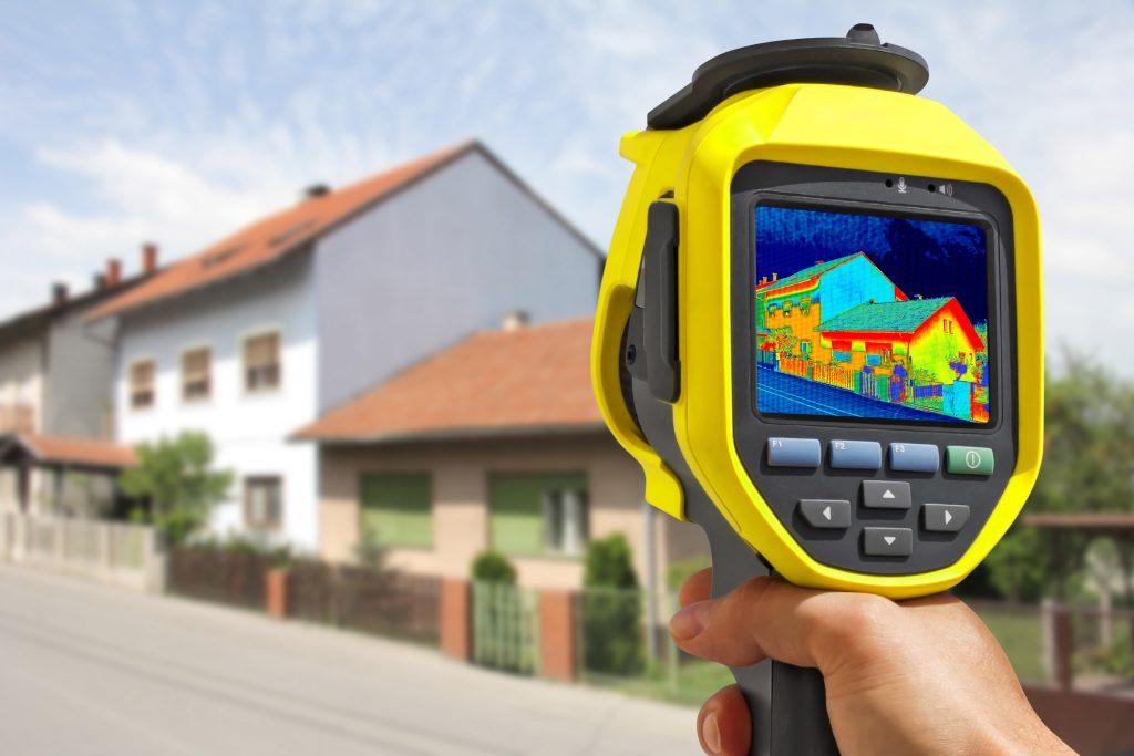 termovizna-kamera-meranie-tepelne-straty-domu-ulica-domy