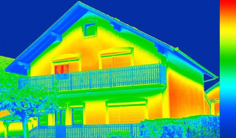 dom-tepelne-straty-termovizna-kamera-balkon-terasa-strecha