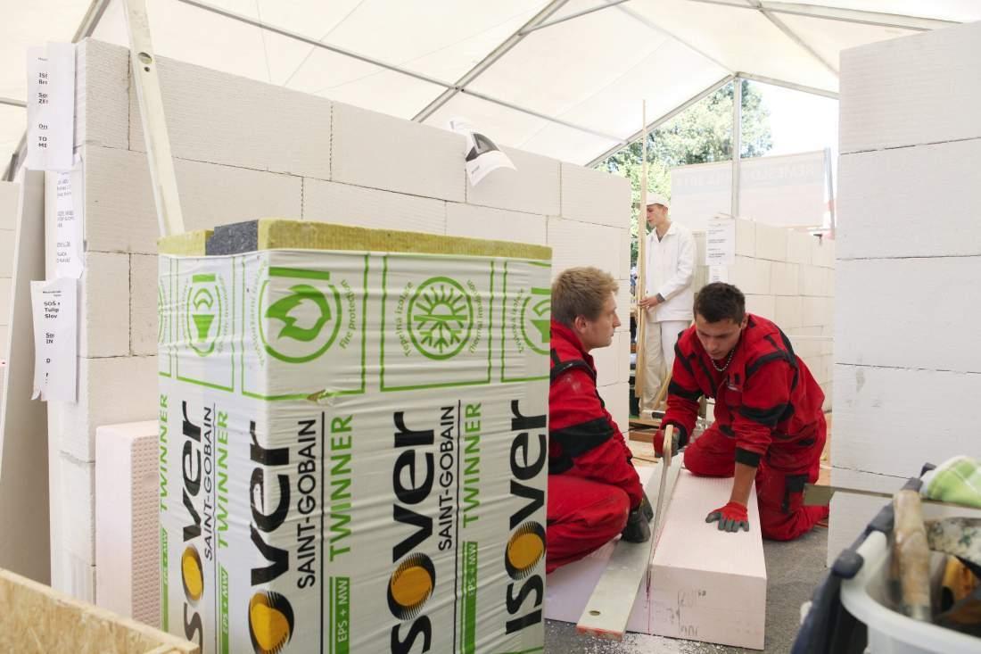 zateplenie-material-polystyren-isover-robotnici-sadrokarton-stavba-dom
