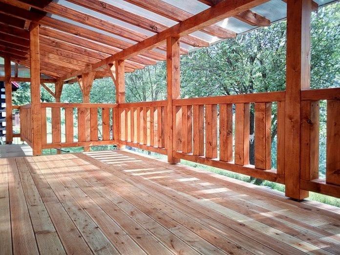 chystáte sa postaviť drevenú terasu aký typ materiálu zvoliť